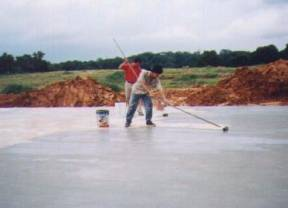 Application of Unifor Crystal onto concrete slab surface